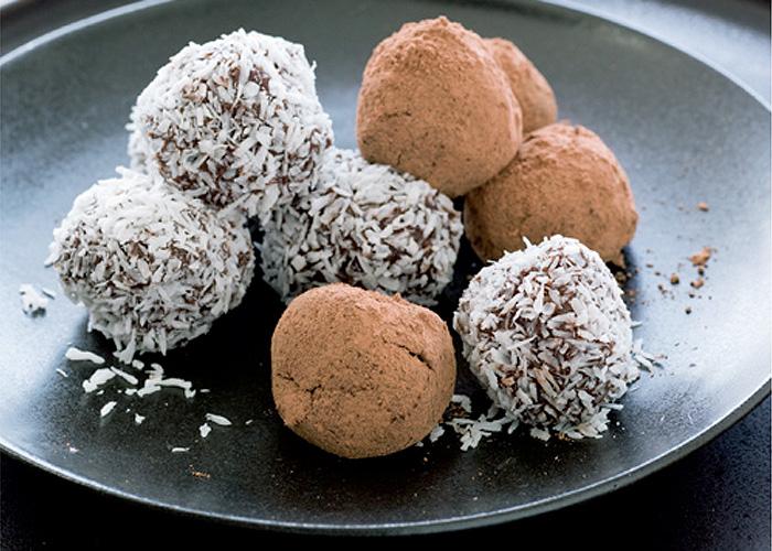 Orange, Date and Raw Chocolate Truffles | Vegetarian Recipes | Nourish